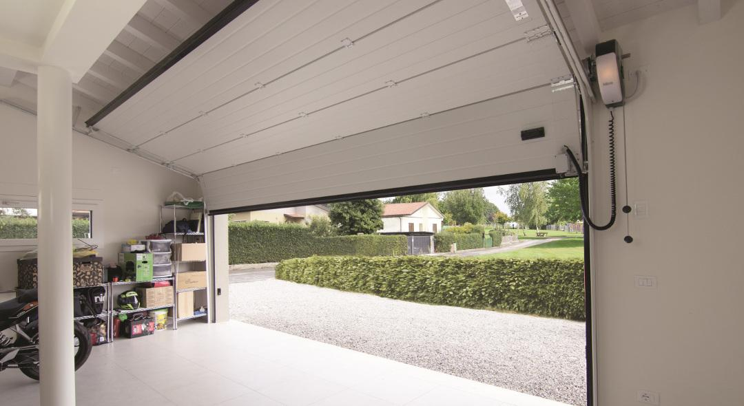 Soon : la solution compacte et sans rail pour portes de garages